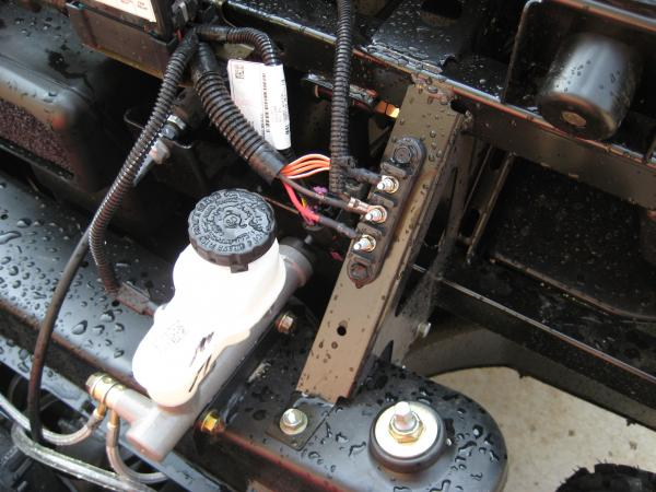 10734 albums51 picture146 500 efi mid auxiliary battery rangerforums net polaris ranger polaris ranger fuse box at cos-gaming.co